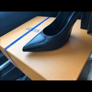 Louis Vuitton Womens Shoe - 38